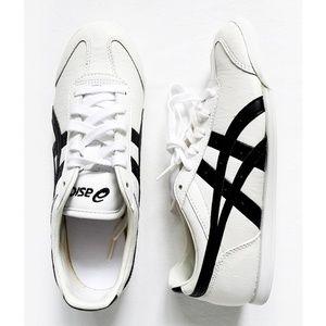 ASICS REVOLVE Classic White & Black Sneakers BOYS